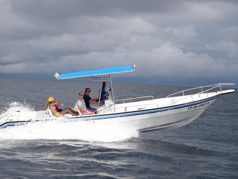 Colombia BD barco 9,8 m. 1.JPG